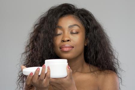 hidrata cabelos crespos
