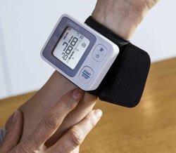 Melhor monitor de pressão arterial de pulso: um guia de compra
